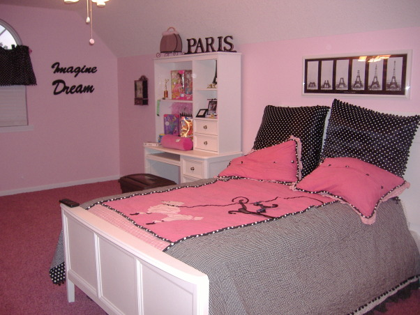 Young girls, Paris theme room, PINK! Poodles and Paris themed room., Girls' Rooms Design
