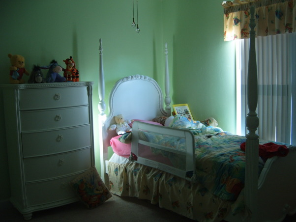 Green Pooh Girl's Bedroom, , , Girls' Rooms Design