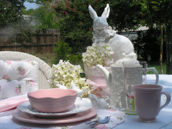Outdoor Dining...Bunny Style, I love to dine outside when the weather is nice., Dining Rooms Design