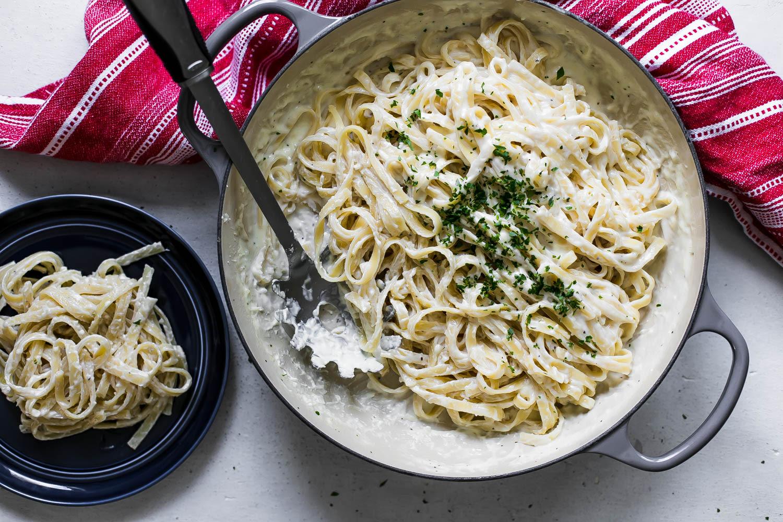 Better Than Olive Garden Alfredo Sauce Recipe Genius Kitchen