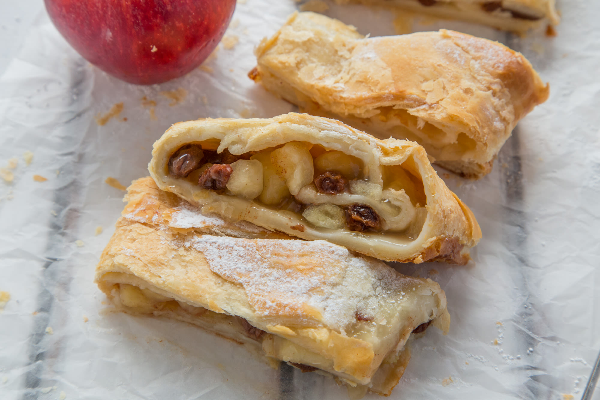 The most delicious apple strudel with puff pastry (step by step recipe with photos) 50