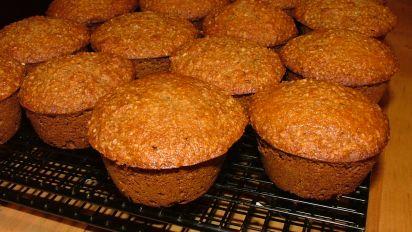 Oat Bran Applesauce Muffins
