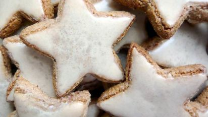 German Christmas Cookies.Cinnamon Stars Zimtsterne German Christmas Cookies