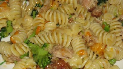 Chicken Broccoli Bow Tie Pasta Salad
