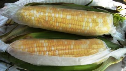 How To Microwave Corn On The Cob Food