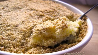 Baked Mashed Potatoes With Parmesan Cheese And Bread Crumbs
