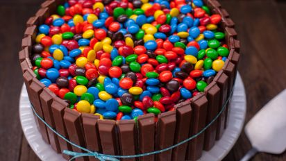 Peachy Bucket Of Mms Kit Kat Cake Recipe Food Com Funny Birthday Cards Online Necthendildamsfinfo