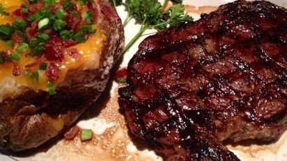 Houston's Hawaiian Ribeye
