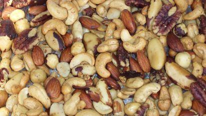 Smoked Garlic Nuts