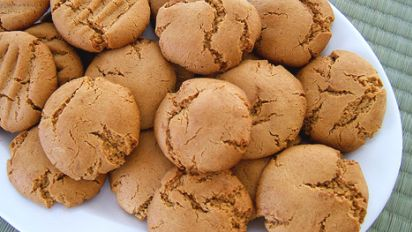 No Flour Peanut Butter Cookies Recipe Baking Genius Kitchen