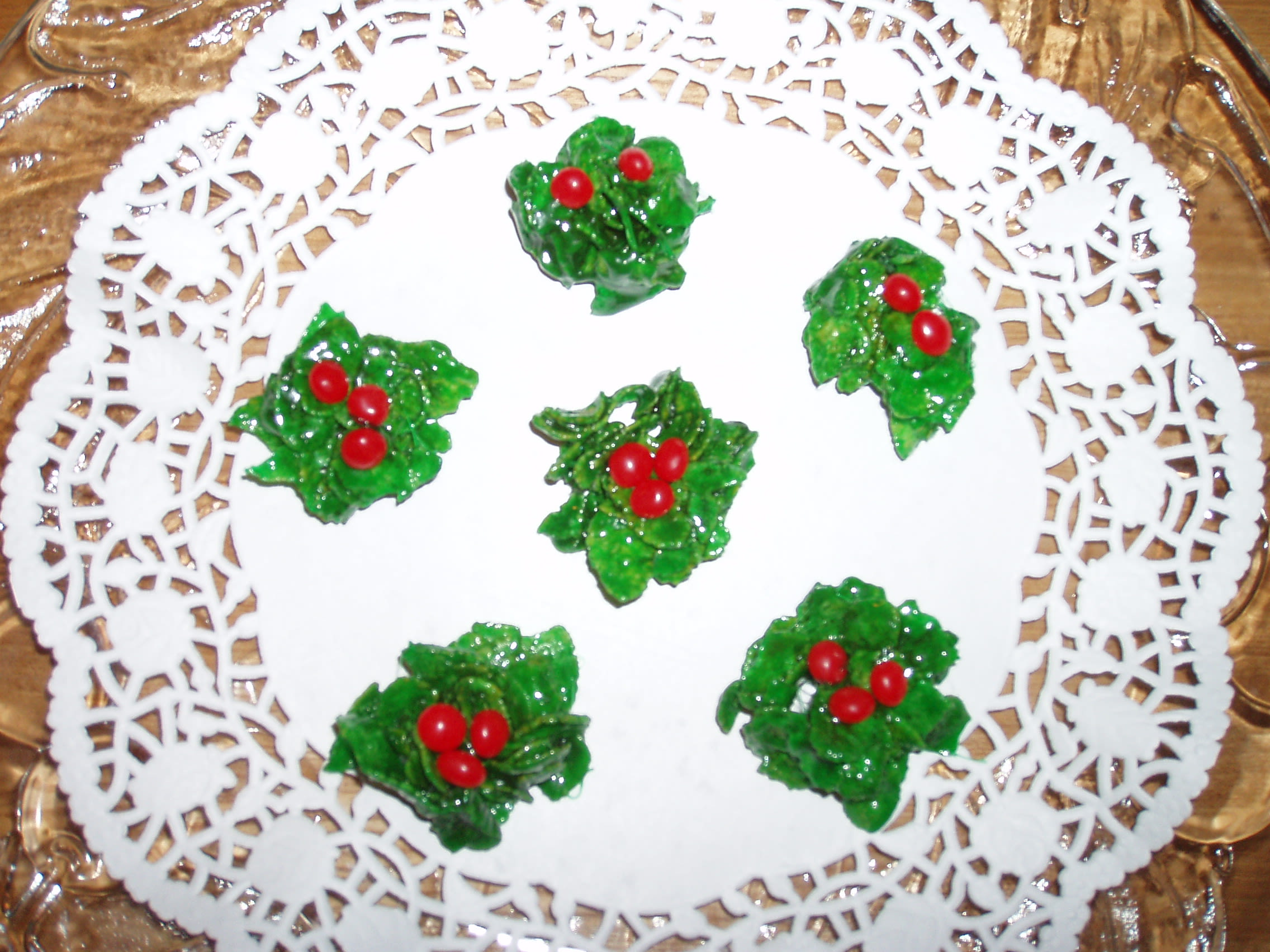 Holly Christmas Cookies Recipe - Genius Kitchen