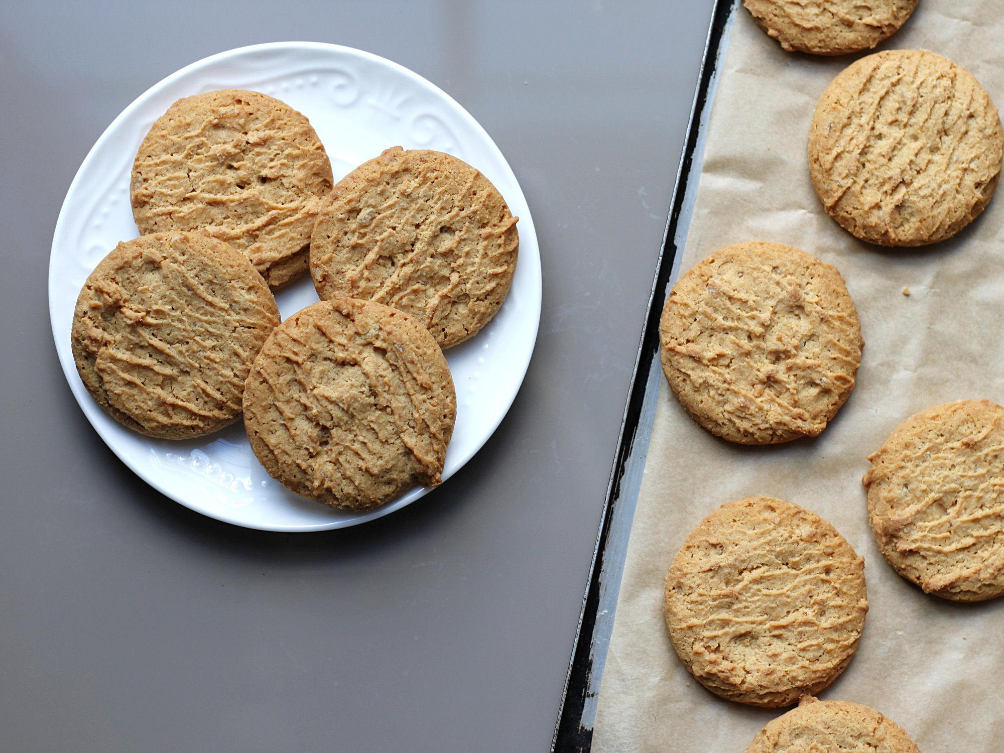Big Grandmas Best Peanut Butter Cookies Recipe Genius Kitchen