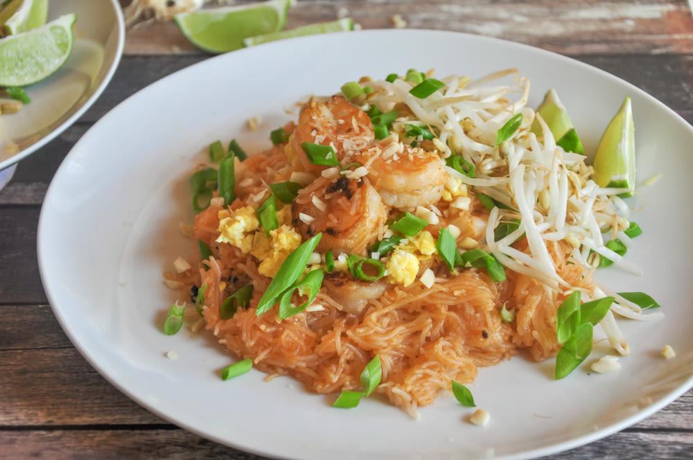 Thai noodles with spicy peanut sauce recipe genius kitchen thai noodles pad thai forumfinder Choice Image