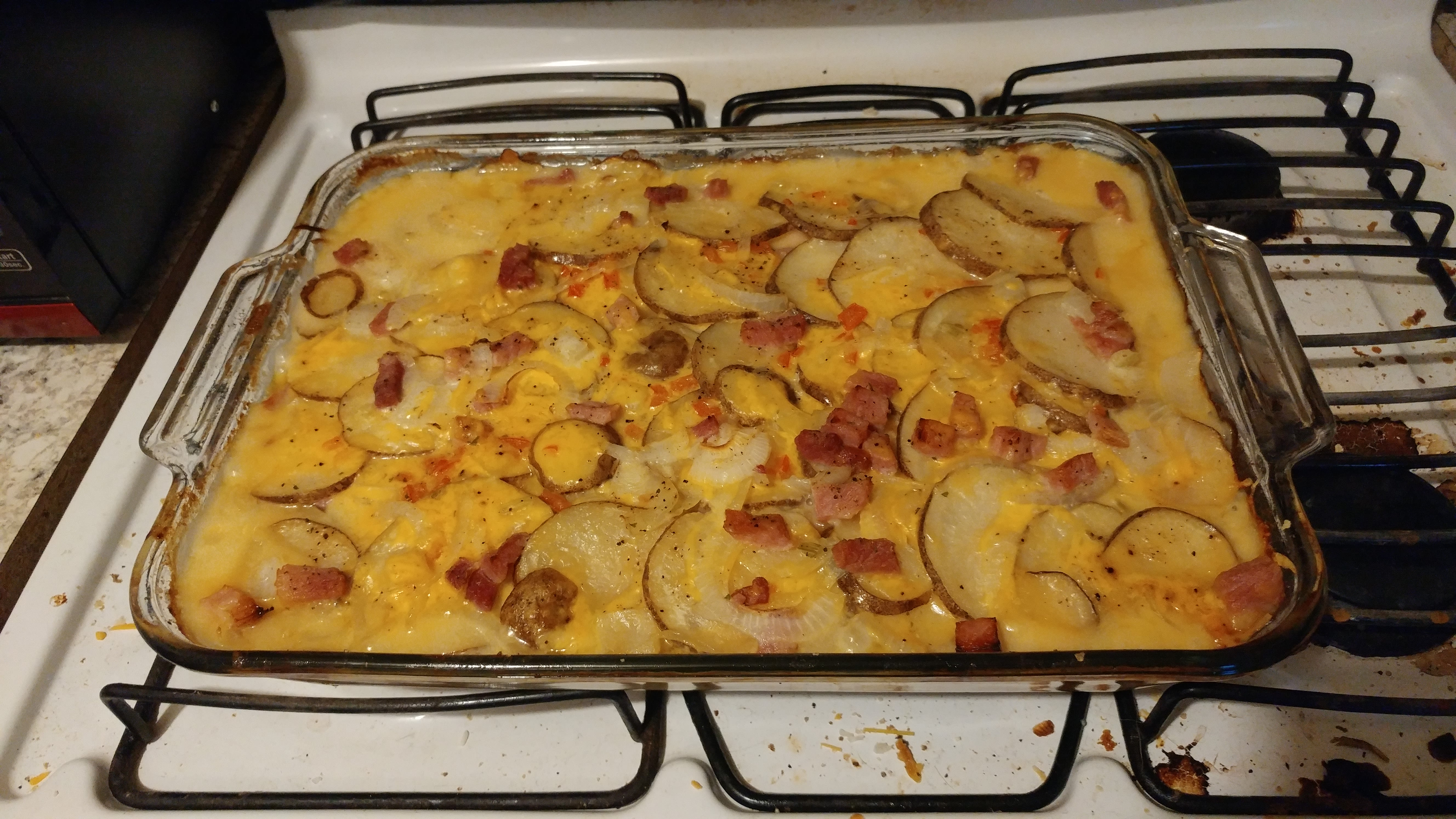 Country scalloped potatoes and ham crock pot recipe genius kitchen cheesy scalloped potatoes ham forumfinder Images