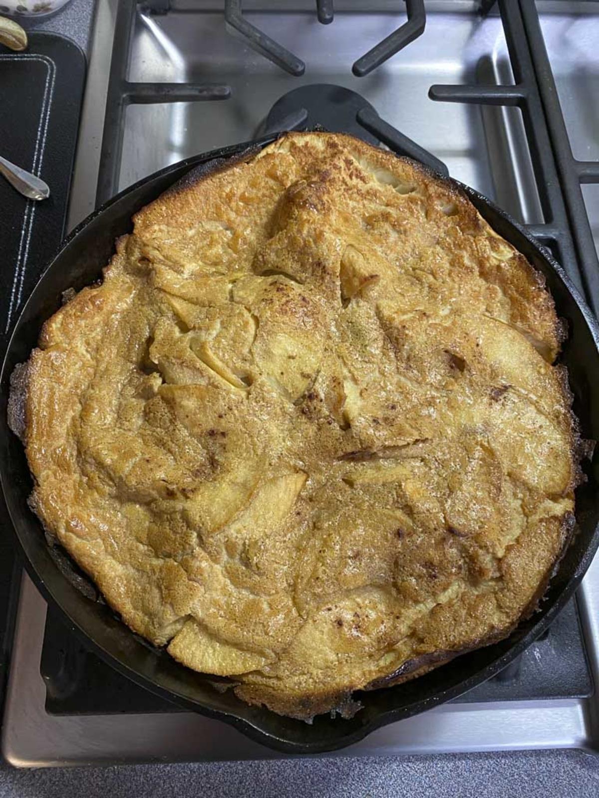 Baked Apple Pancake_image