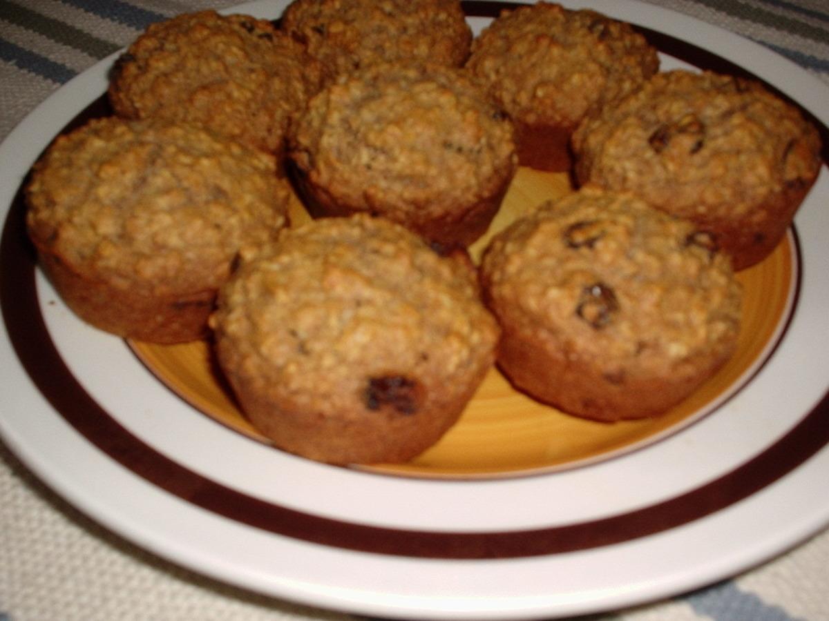 Healthy Oatmeal Raisin Muffins image