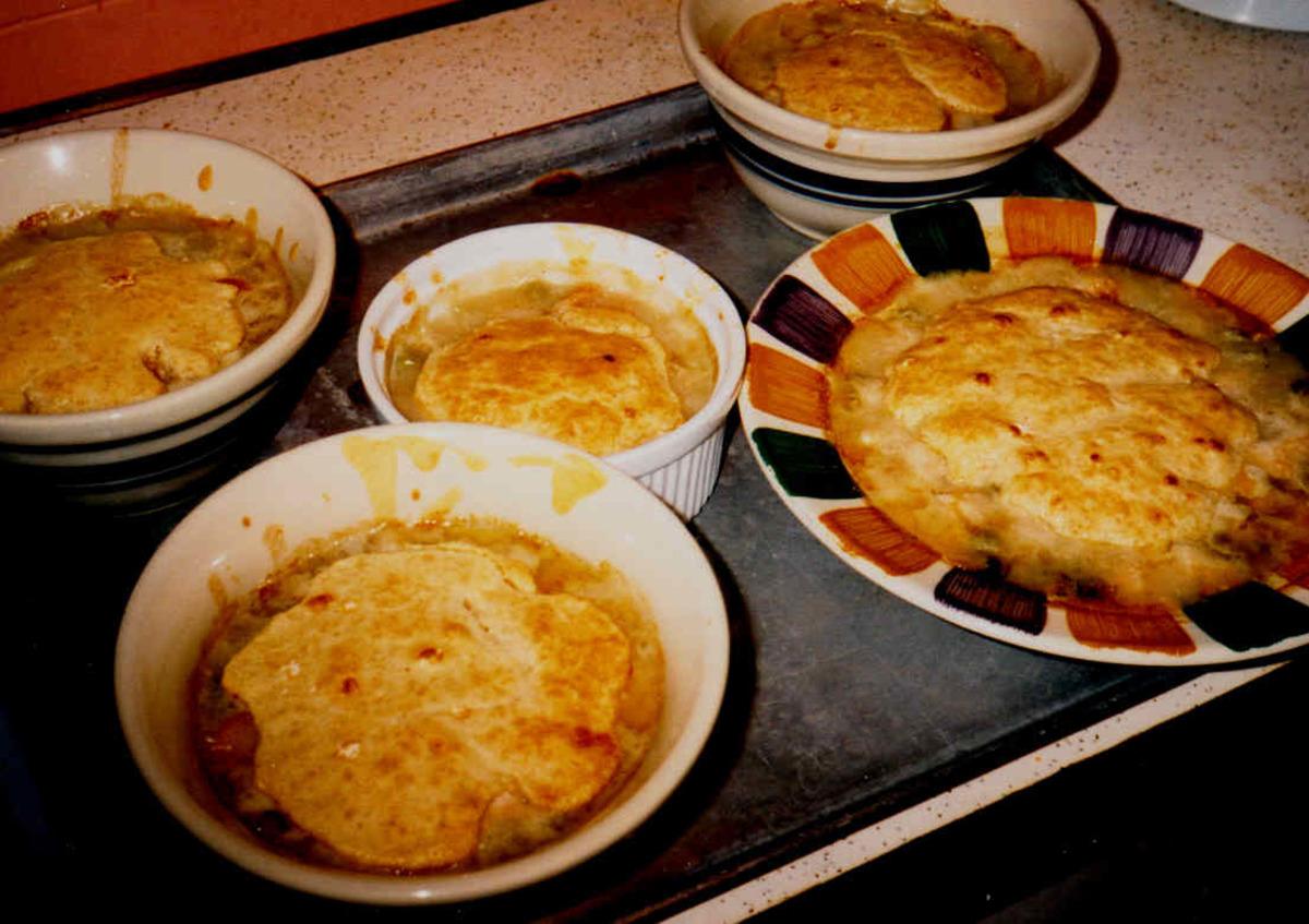 Easy Chicken Pot Pie / Pies image