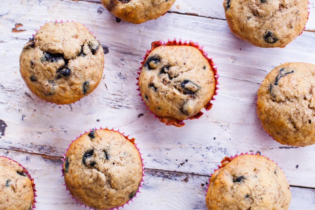 Easy Moist Banana Blueberry Muffins_image