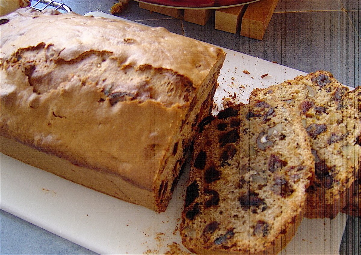 Date and Walnut Loaf - Fat Free image