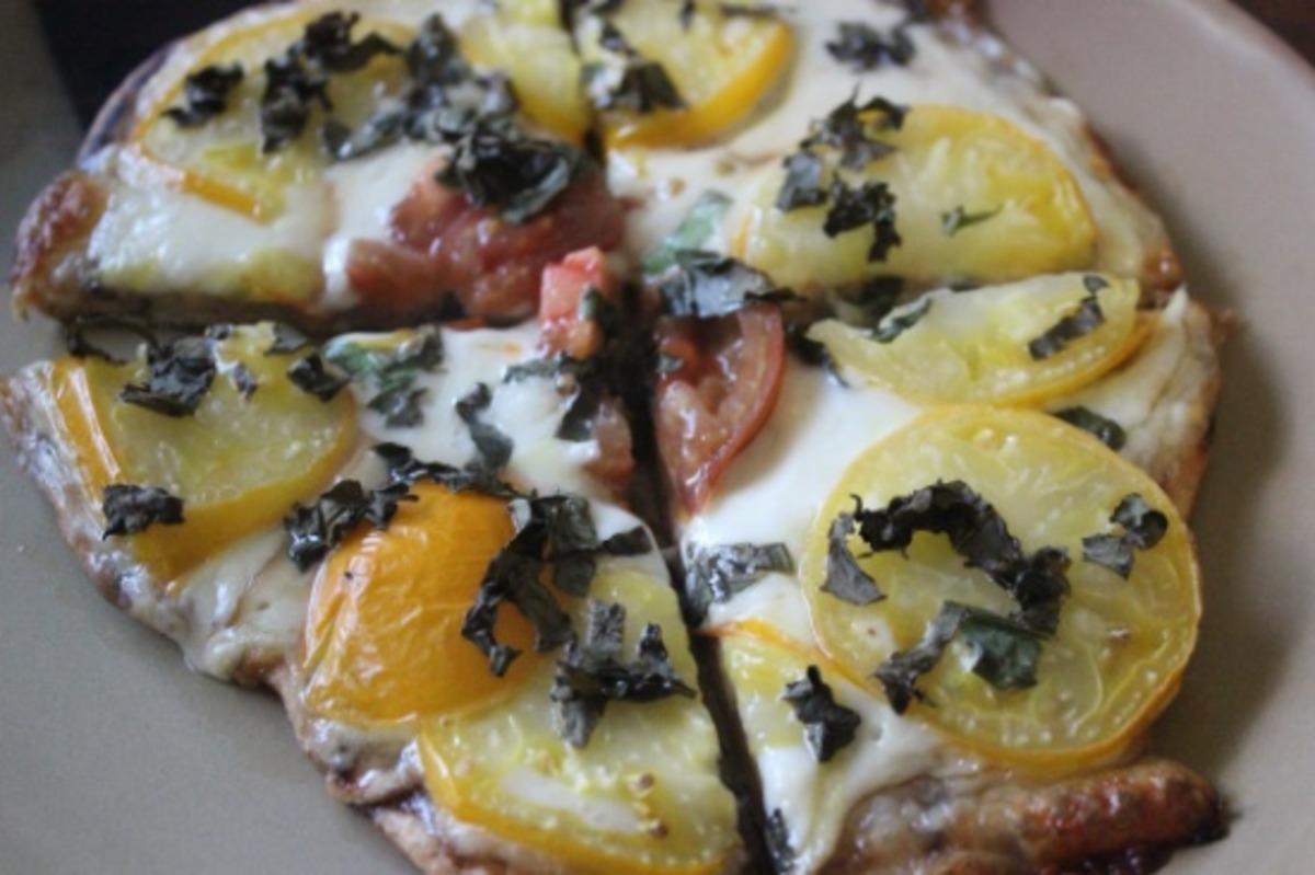 Fresh Mozzarella and Basil Pizza image