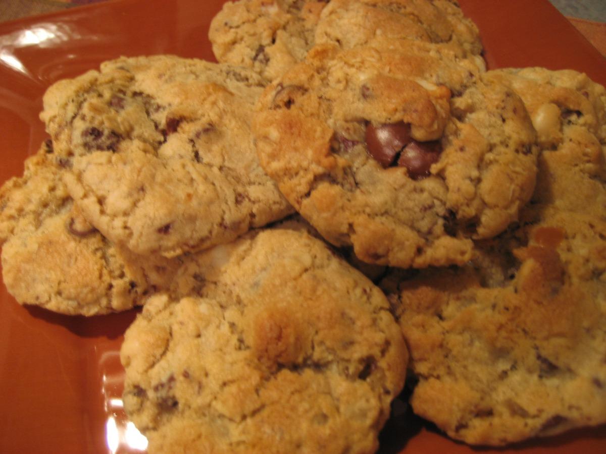 Ooie-Gooie-Chocolate -Caramel-Macadamia Chunk Cookies image