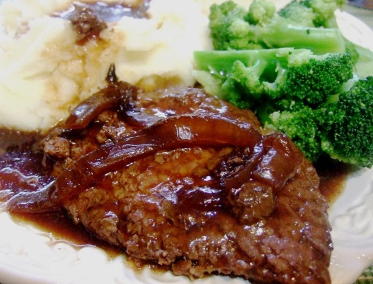 Crock Pot Melt-In-Your-Mouth Cube Steak & Gravy image