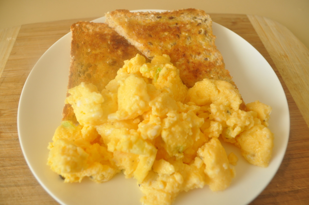 Buttery Microwave Scrambled Eggs For Two Recipe Breakfast Food Com