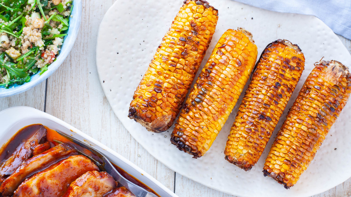 How long to cook corn on the cob in foil on grill