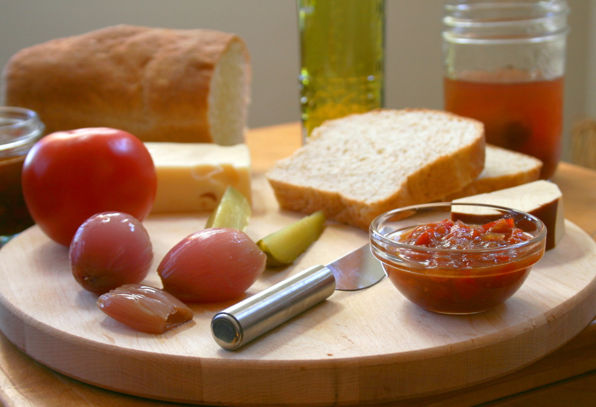 Traditional English Pub Style Ploughman's Lunch image