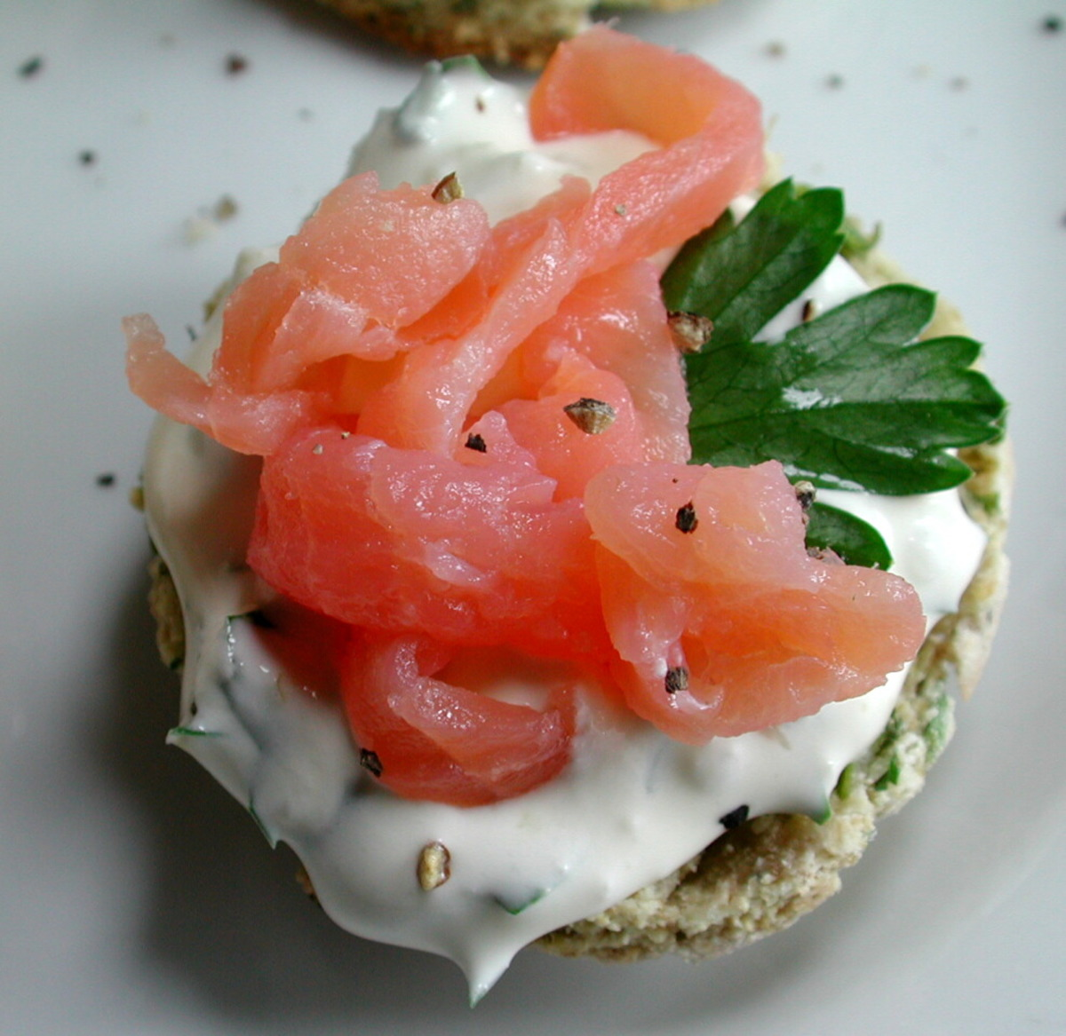 Mini Herbed Scones With Smoked Salmon_image