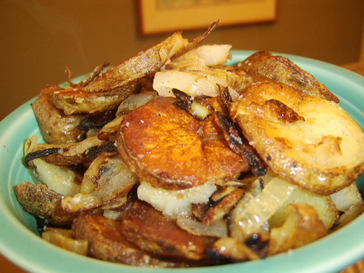 Easy Fried Potatoes & Onions_image