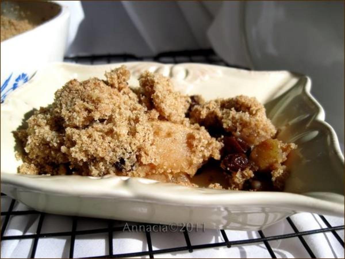 Warm Apple Raisin Crisp With Crumb Topping image