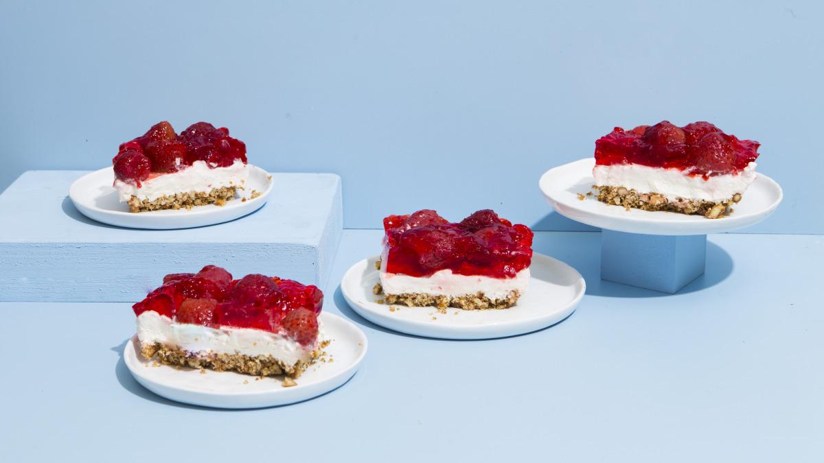 Strawberry Pretzel Salad image
