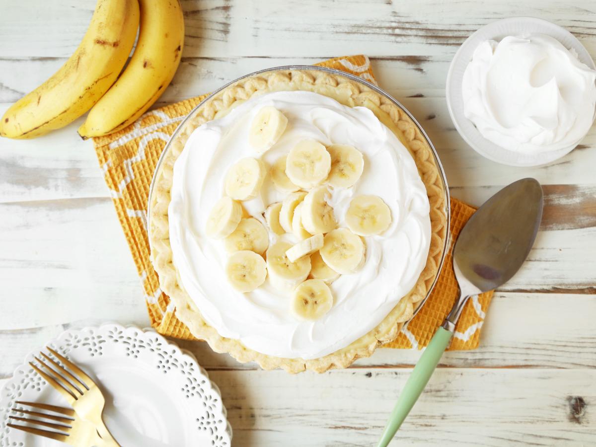 Granny's Banana Cream Pie image