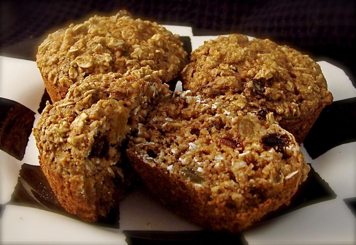 Healthy W.w Oatmeal Raisin Muffins image