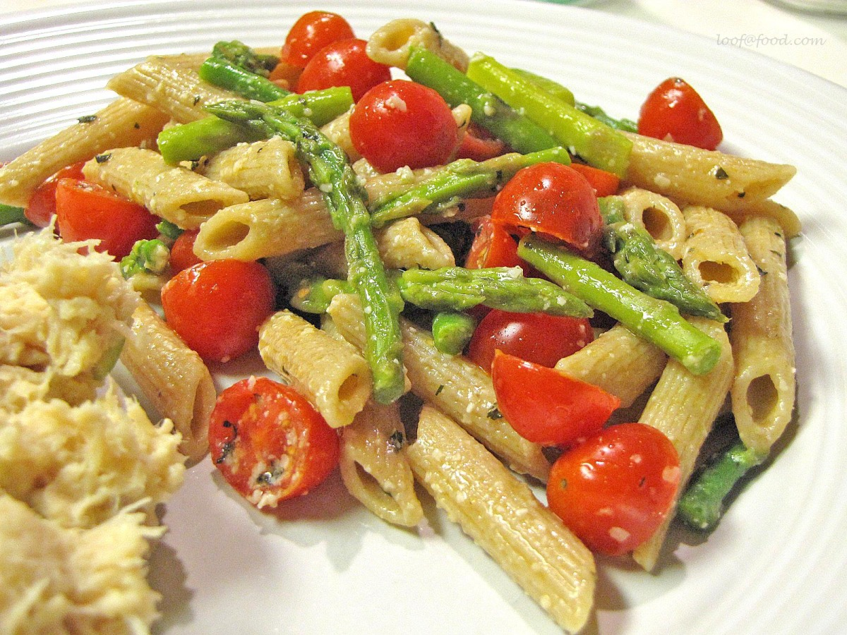 Penne With Cherry Tomatoes, Asparagus, and Goat Cheese image