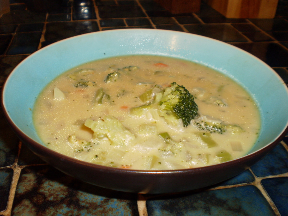 Copycat Subway Golden Creamy Broccoli Soup image
