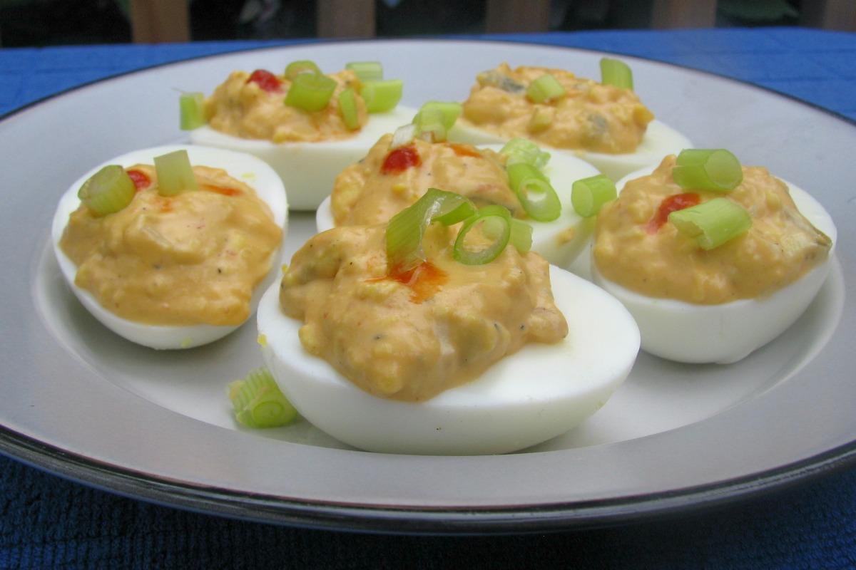 Sriracha Deviled Eggs image