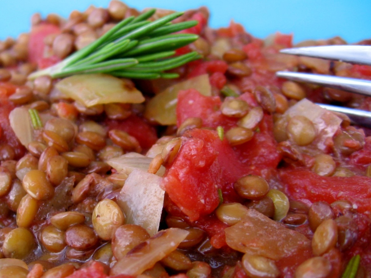 Lentils With Onions and Tomatoes image