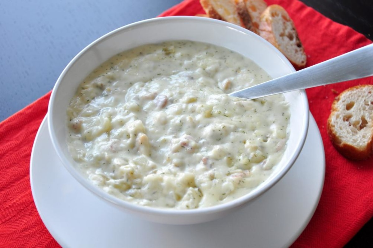 Thick and Creamy New England Clam Chowder_image