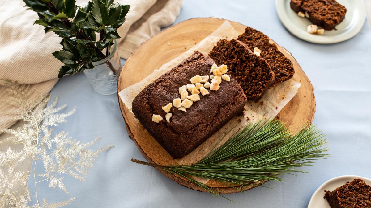 Moist Gingerbread Cake image
