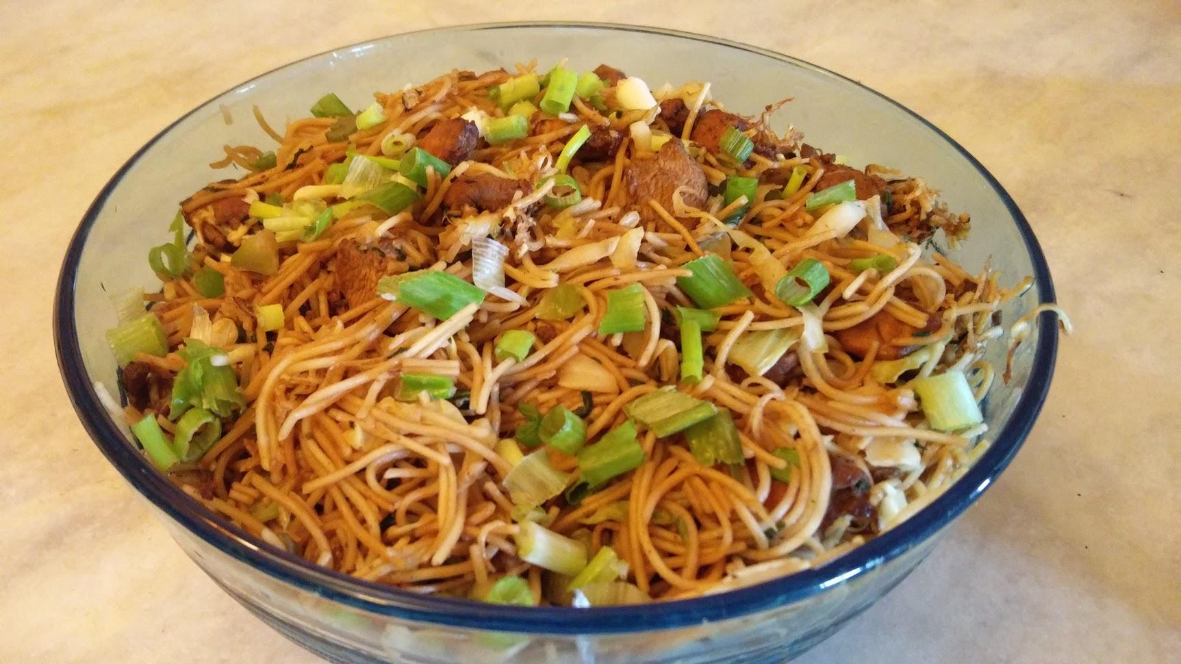 Chicken chow mein recipe genius kitchen good to taste but not awesome freerunsca Gallery