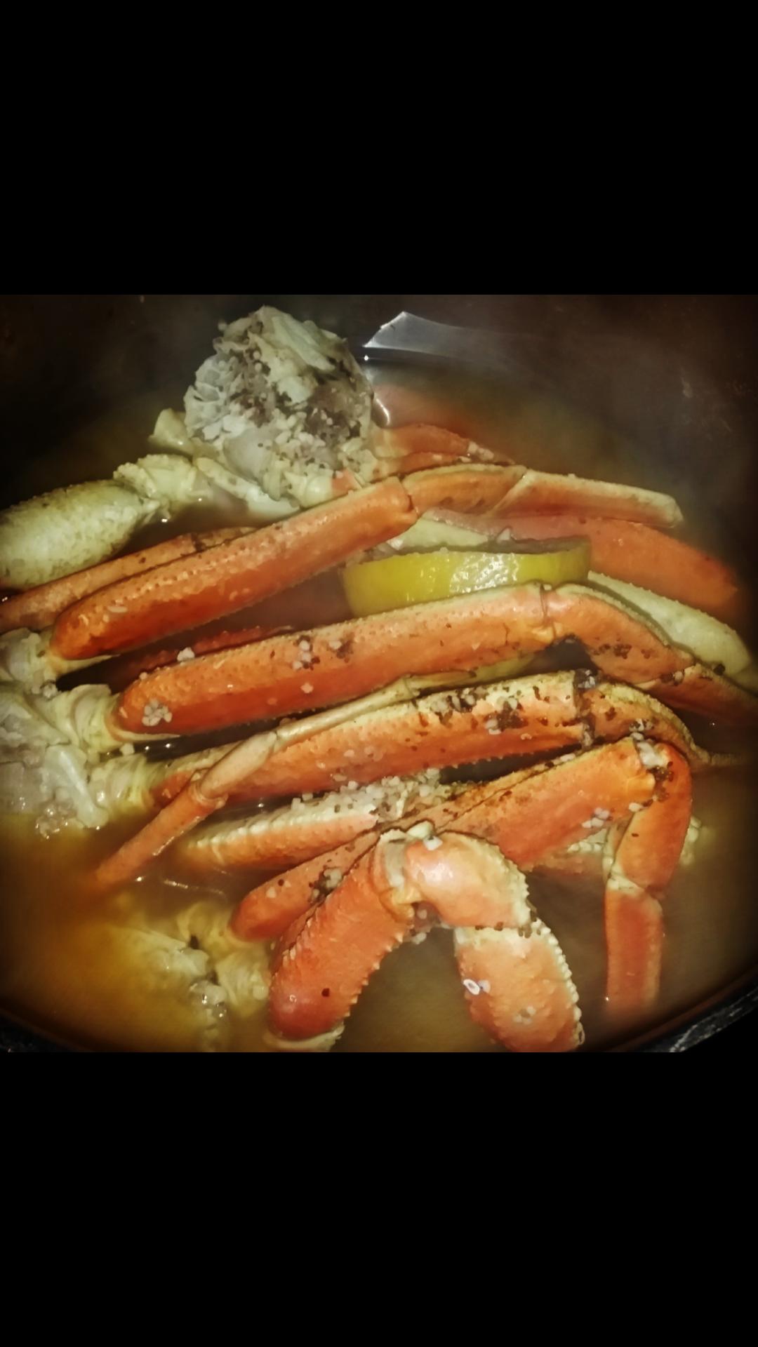 Steamed Snow Crab Legs