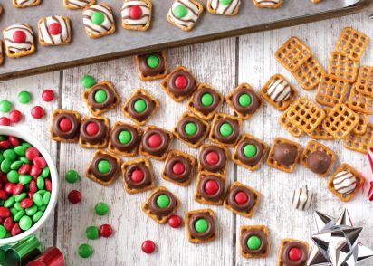 Easy, Festive Chocolate Holiday Pretzels Recipe - Genius Kitchen