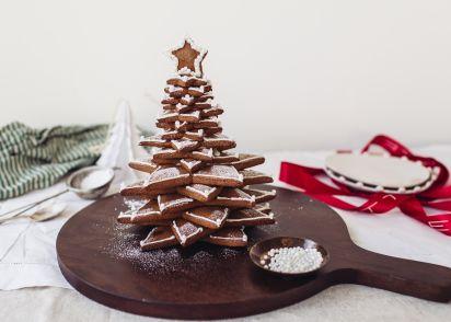 gingerbread christmas tree recipe genius kitchen - Gingerbread Christmas Tree