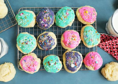 italian anise cookies with icing and sprinkles recipe genius kitchen - Italian Christmas Cookies Anise