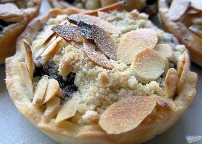 orange and almond crumble christmas mince pies recipe genius kitchen - Christmas Pies