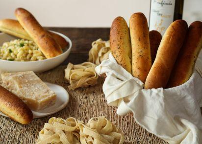 almost famous breadsticks olive garden copycat recipe genius kitchen - Olive Garden Breadsticks