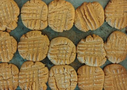 Egg-Free Peanut er Cookies Recipe - Genius Kitchen on nabisco wafer peanut butter cookies, nestle peanut cookies, peanut shaped cookies, planters peanuts from the 90 s, planters snacks, nutter butter peanut cookies, reese's peanut cookies, keebler peanut cookies,