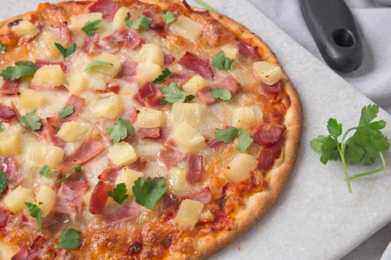 vCCBI3mlQfCyEY0yYwLG_hawaiian-pizza-1.jp